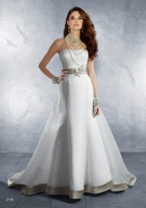 Alfred Angelo2178 Sz: 10 Ivory/cafe Original Price: $899Our Price: $369.00