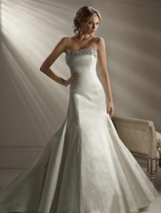 Maggie SotteroBrooke Sz: 14 Champagne Original Price: $1219Our Price: $589.00