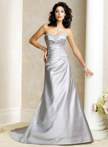 Maggie SotteroDelta Sz: 6 Ivory Original Price: $1119Our Price: $499.00