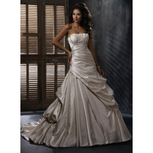 Maggie SotteroEmily Sz: 8 Ivory Original Price: $1309Our Price: $599.00