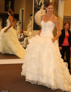 Lauren working with celebrity bride Victoria Prince pick out her gown for her wedding to Kevin Federline.