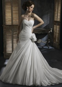 Maggie SotteroSabrina Sz:8 Ivory Original Price:$ 1259Our Price: $559.00